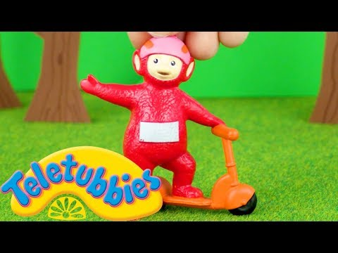 Teletubbies: Teletubbies Have A Race | Toy Play Video | Play games with Teletubbies
