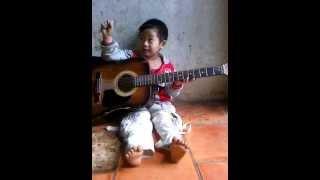 Guitar con heo đất ~ Thạnh Phú ^^