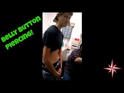 Bellybutton Piercing thumbnail
