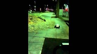 大型タイヤを装着したラジコンが青葉通りを駆け抜けた…!オチあり(・∀・)