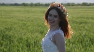 Модель Рая. Свадебный образ на зеленом поле
