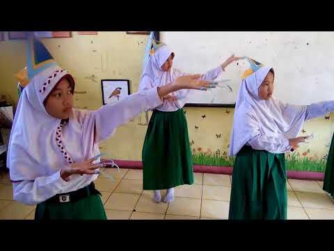 Tari tanggai khas nusantara,,,  oleh siswi Muhammadiyah 1 Pagaralam