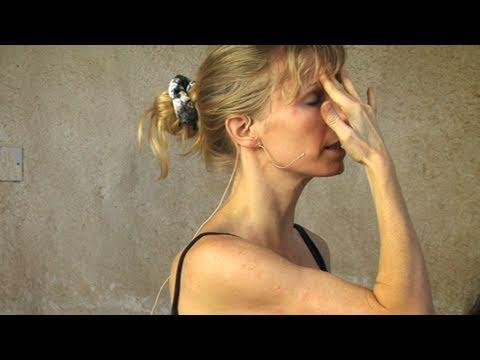Headaches: When to Call the Pediatrician - HealthyChildren.org
