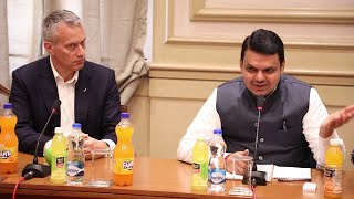 CM Fadnavis encourages farmers at the launch of Minute Maid Santra