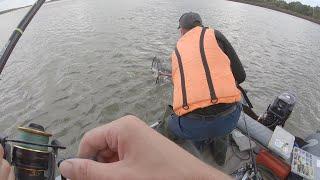 Ловля щуки на большой реке Обские коряжники и поливы Осенняя рыбалка на джиг Сузунище часть 1