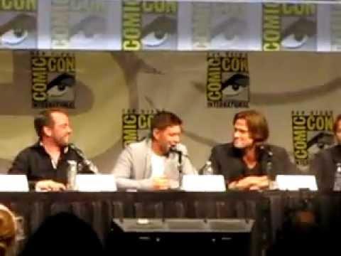 Supernatural Cast Learning about Destiel at SDCC