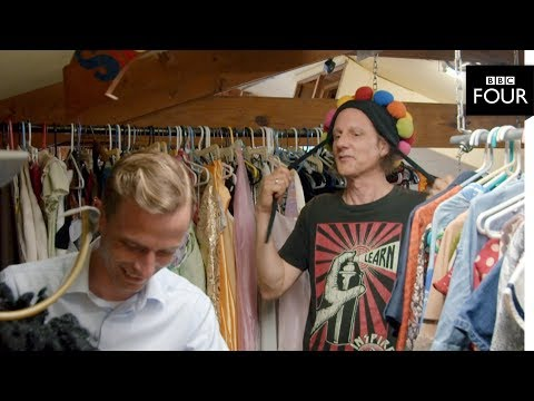 A strange clothing policy - Utopia: In...