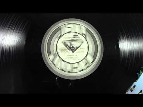 Carlton Livingston - Living As A Poor - Reggae