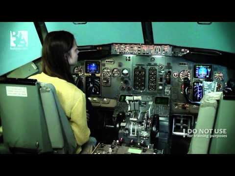 An amateur trying to land a Boeing 737 CL -- Baltic Aviation academy