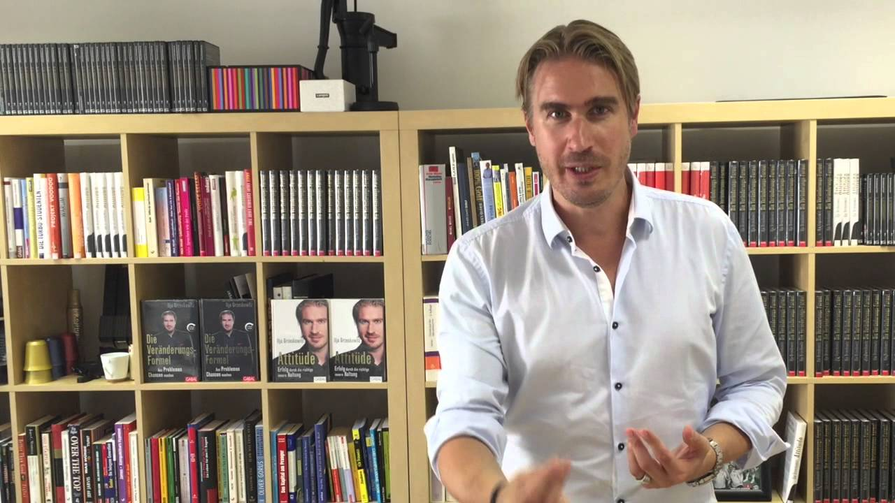 Exklusive Wohnzimmer-Lesung mit Ilja Grzeskowitz - YouTube