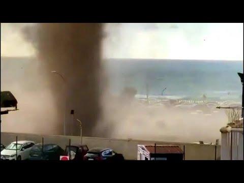 Tromba d'água vira tornado em praia italiana com fenômeno impressionante