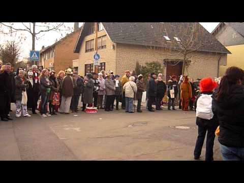 Veilchendienstagzug Stotzheim 2012  Der Zoch  Kütt