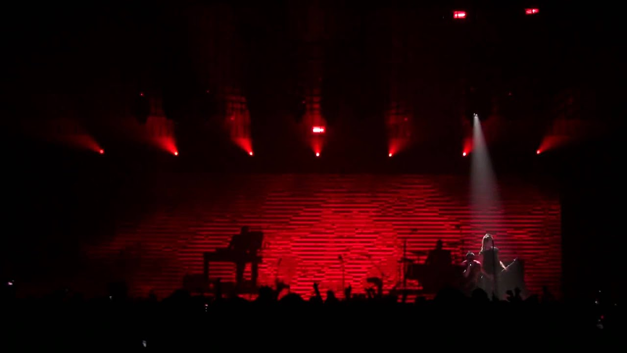 Nine Inch Nails - Closer (The Only Time) - Official HD Footage - YouTube