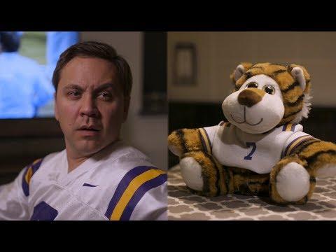 SEC Shorts - Talking LSU stuffed animal is way too honest during games