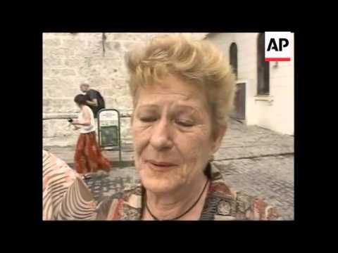 Bells sound in Havana to mark death of Pope