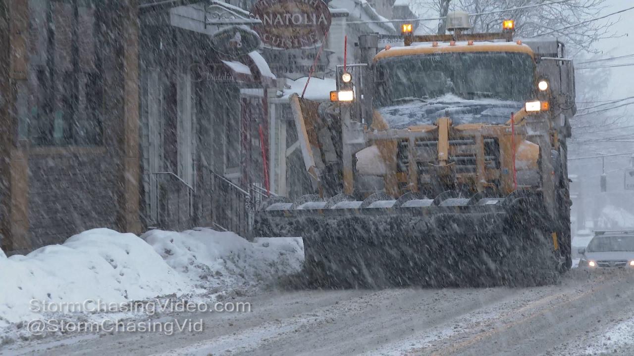 New Paltz, NY and I-84 Intense Snowstorm - 2/12/2017
