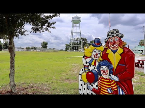 Lake Placid Is The Most Interesting Town In America - Forgotten Attractions / Clown Museum & MORE
