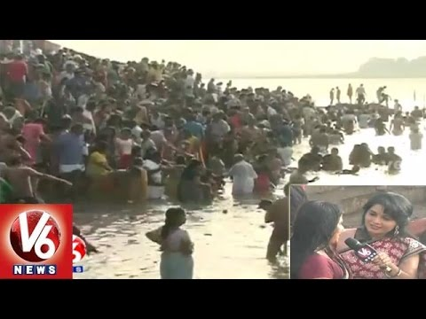 Godavari Pushkaralu | Devotees offer special prayers in Basara | Maha Pushkaram - V6 News