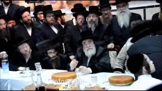 Viznitz Rebbe Attends Bris Of A Grandson Of The Pittsburgh Rebbe - Tamuz 5775