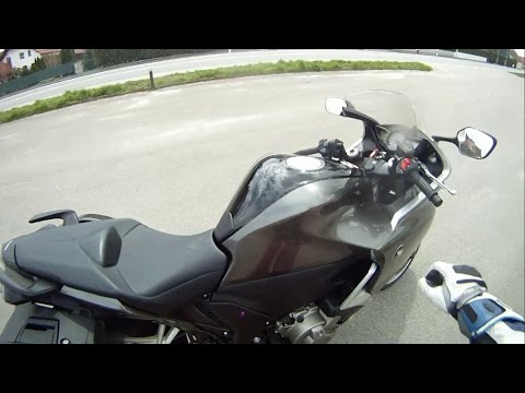 How to drive a Dual Clutch Transmission - Honda VFR1200F