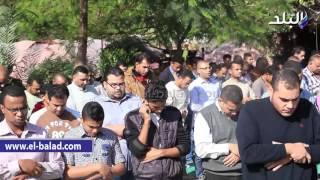 بالفيديو والصور.. تشييع جثمان شقيقة 'سليمان عيد' من مسجد خالد بن الوليد
