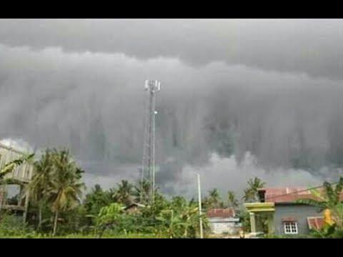 Video amatir awan tsunami di polewali mandar | sulawesi barat