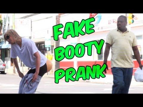 FAKE BOOTY PRANK