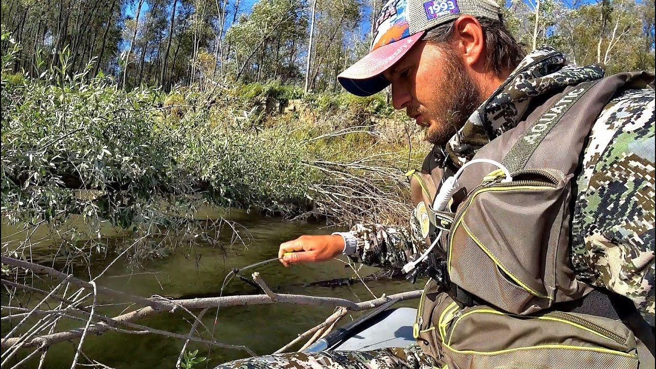 Опустил КАРМАК в лунку между коряг,Крупный язь,плотва,лещ окунь.Рыбалка на поплавок , щука на джиг.