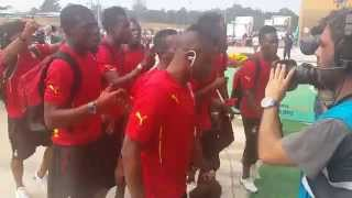 Ghana players in attractive singing on stadium ahead of 2015 AFCON game against Algeria