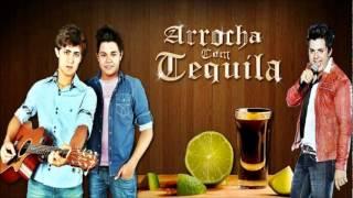 João Pedro e Felipe - Arrocha com Tequila (Part. Cristiano Araujo) (OFICIAL)