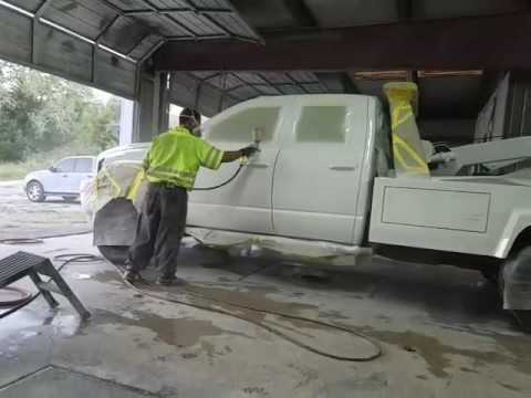 Wet work paint & body spraying tow truck