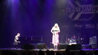 "Tailgate Watch: Lauren Alaina performs ""Three"" at UMG Nashville's CRS Ryman Luncheon"