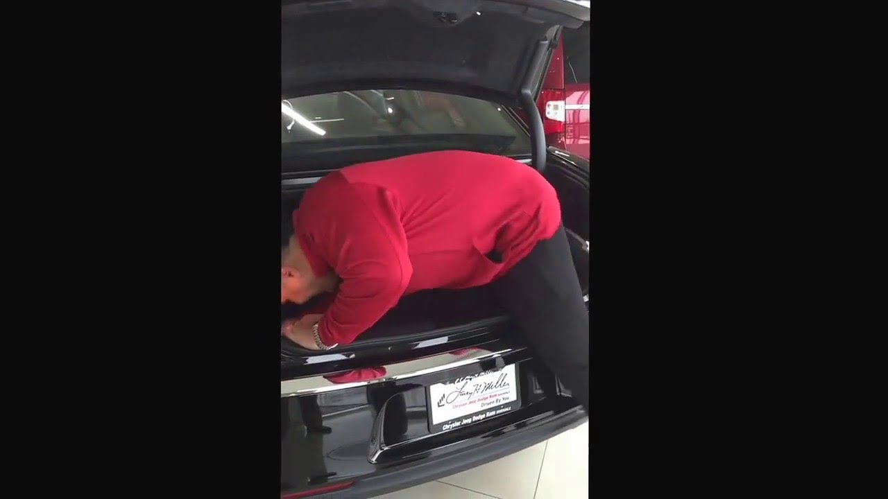 Chrysler 300 Trunk Trick