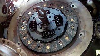 Como cambiar el retén de cigüeñal por fuga de aceite en un Chevrolet Chevy