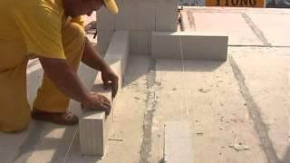 видео Строительство бани из пеноблоков своими руками