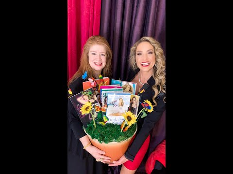 SURPRISE! OMG! JENNIFER NICOLE LEE GETS SURPRISED BY YAYA BALARIN with a Book Bouquet!