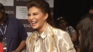Jacqueline Fernandez gets FUNNY with a journalist