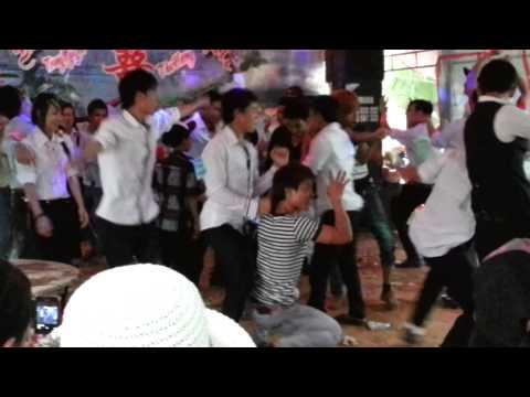 Nhảy đám cưới vùng quê