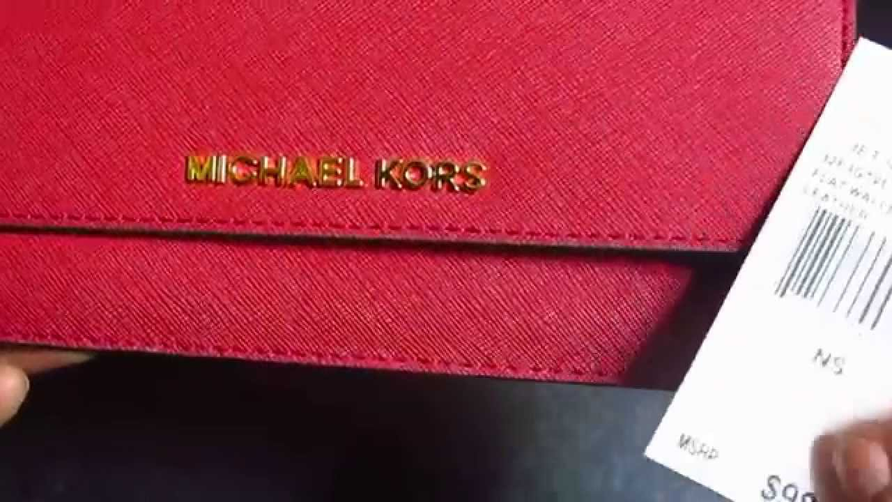 d811b5208fc0 Michael Kors Jet Set Travel Leather Wallet - YouTube