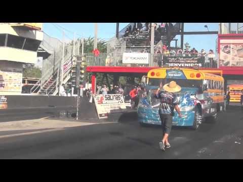 DUMONT TRANSPORT VS ALMA LIBRE DRAG RACING TRUCK SCHOOL BUS RACING