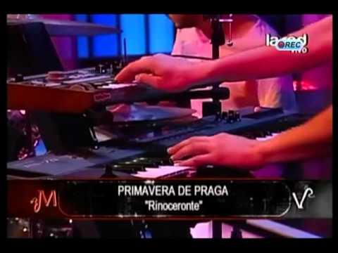 Grupo Primavera de Praga interpreta