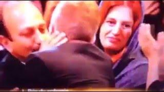 لحظه اعلام  اسم اصغر فرهادی به عنوان  برنده نخل طلای بهترین سناریو