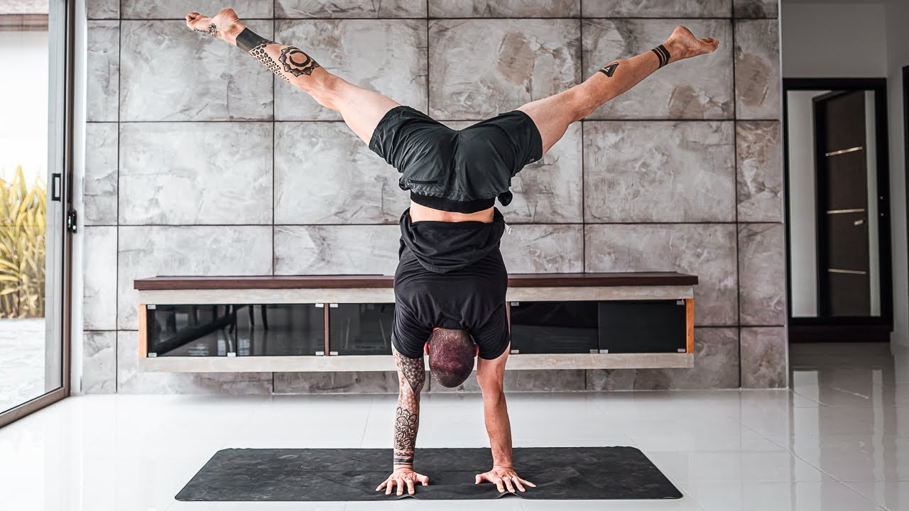 5 Absolute MUST KNOWS About Handstand