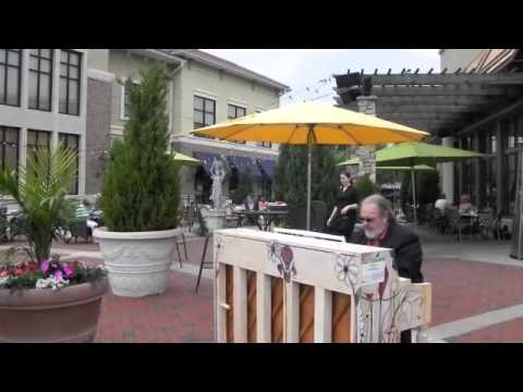 Pianos on Parade at Trezo Maré with Max Groove