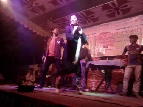 Hum Tum Ko Nigahon Mein Dance Video