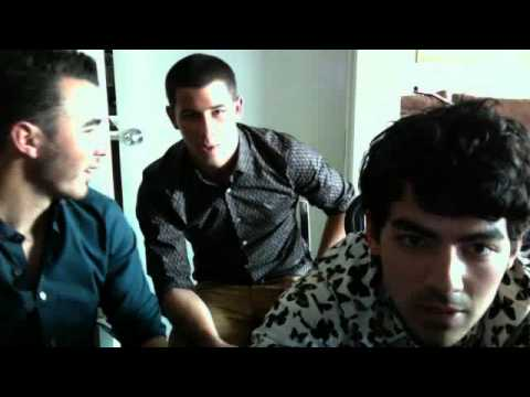 Jonas Brothers Live Chat 08/21/2012 Ustream