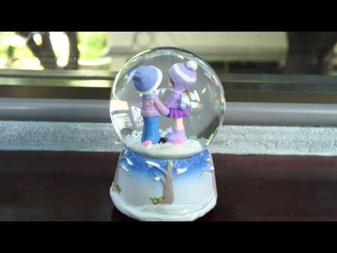 Cute Snowball Music Box