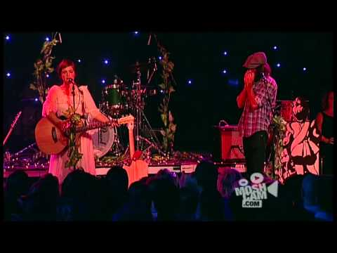 Angus & Julia Stone - The Wedding Song (Live in Sydney) | Moshcam