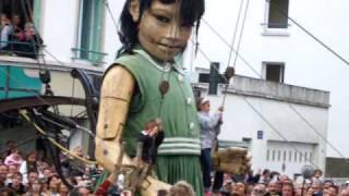 Royale de Luxe - La petite géante balançoire 2009 St Nazaire