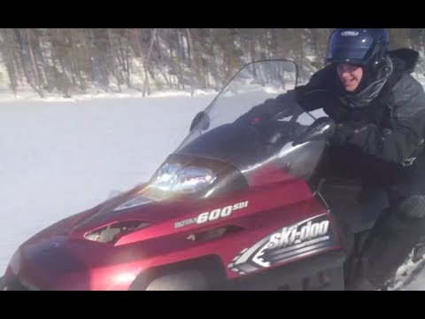 Testing Snowmobiles Ski-Doo 600 SDI And Ski-Doo Tundra Four-stroke